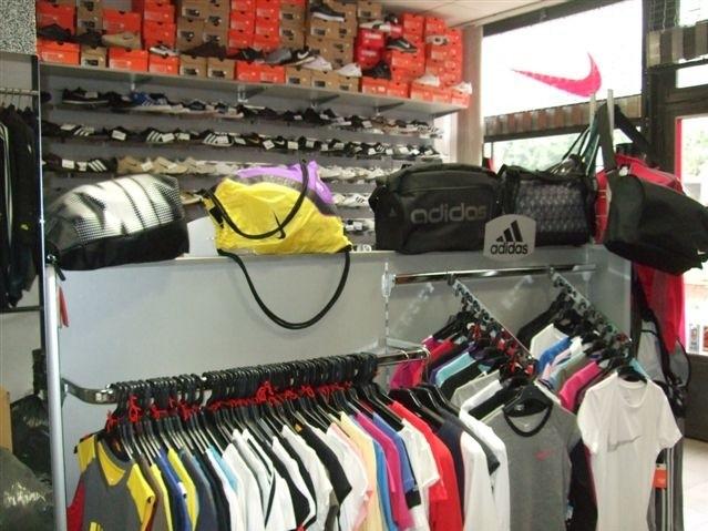 Adidas-Nike Sport Bolt  83a966f0f9